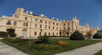 Trip to Lednice-Valtice UNESCO area with stop in Mikulov town